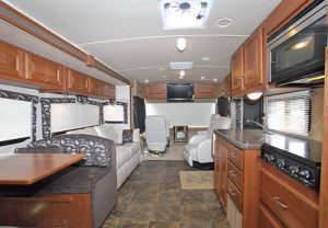 41-5_winnebago_sightseer_35j_01