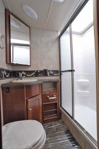 41-5_winnebago_sightseer_35j_06