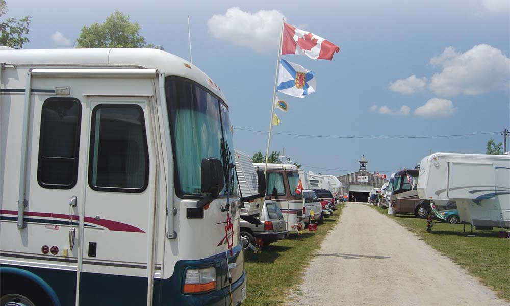 42-3_choosing_a_campground_00
