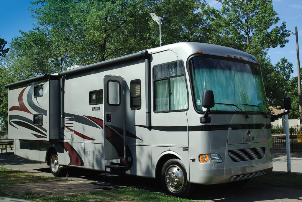 Holiday Rambler 34 SBD Admiral - RV Lifestyle Magazine
