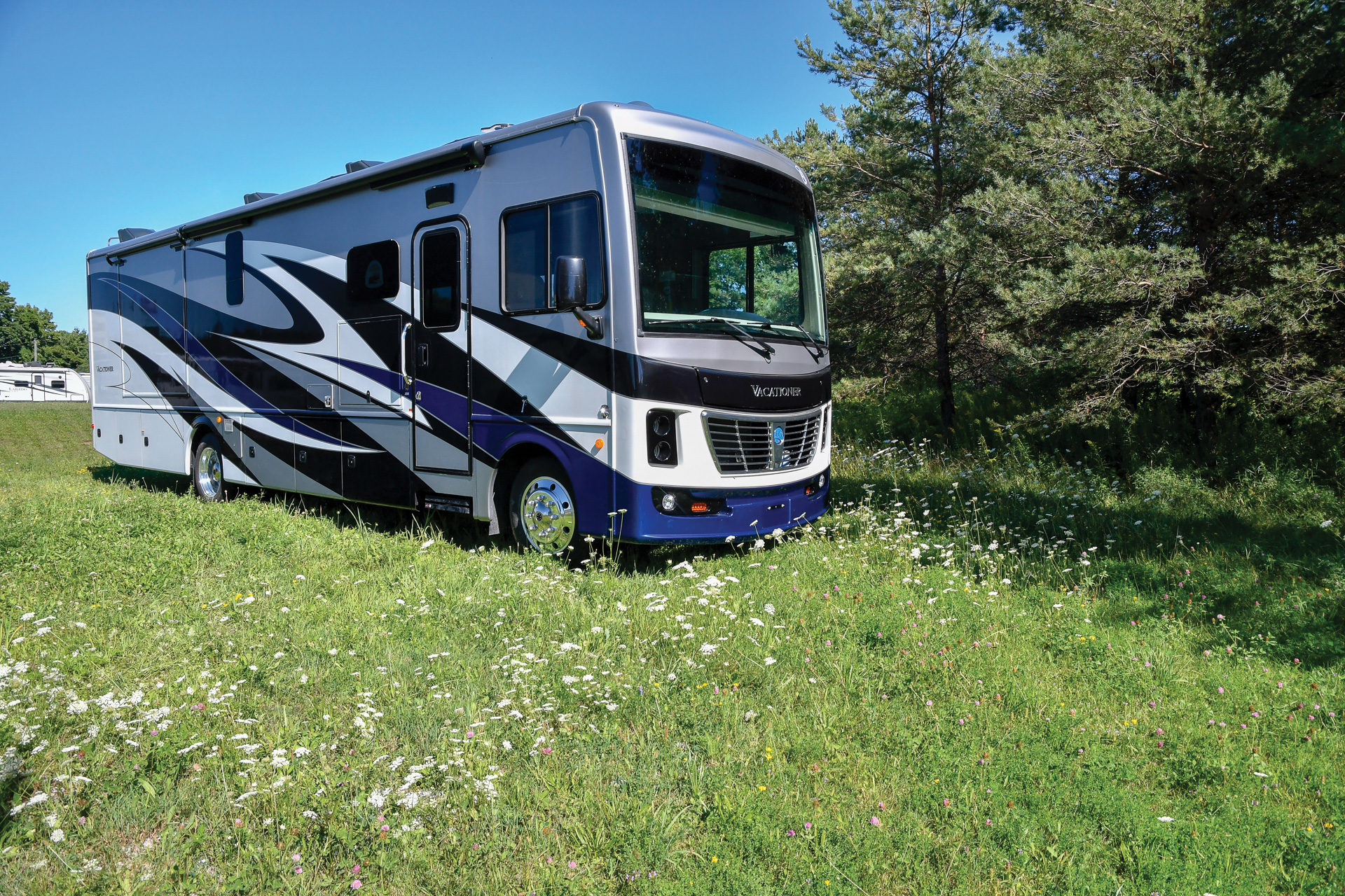 On the Road In the all-new Holiday Rambler Vacationer 35K